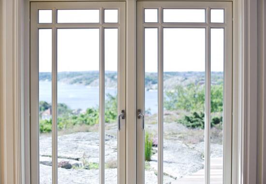 Fönster och dörrar från svenska leverantörer